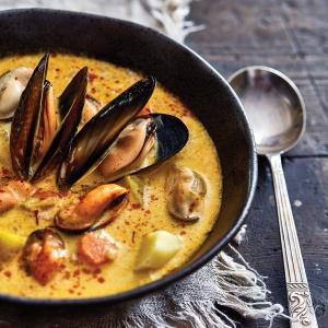 Mussel soup with potato, fennel & saffron
