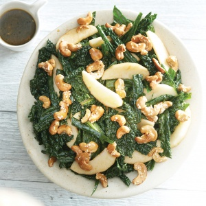 Kale & apple salad with maple syrup cashews