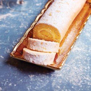 Roulade de Mousse au Citron (Lemon Roulade Cake)
